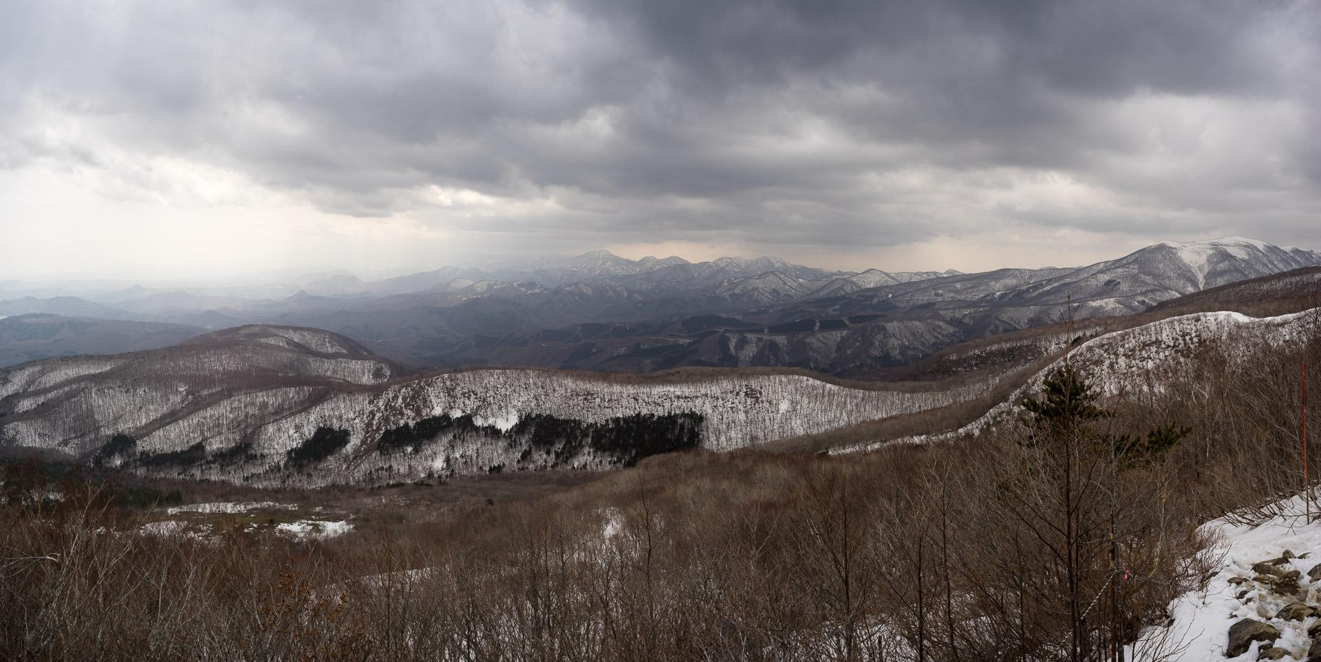 Izumigatake summit view