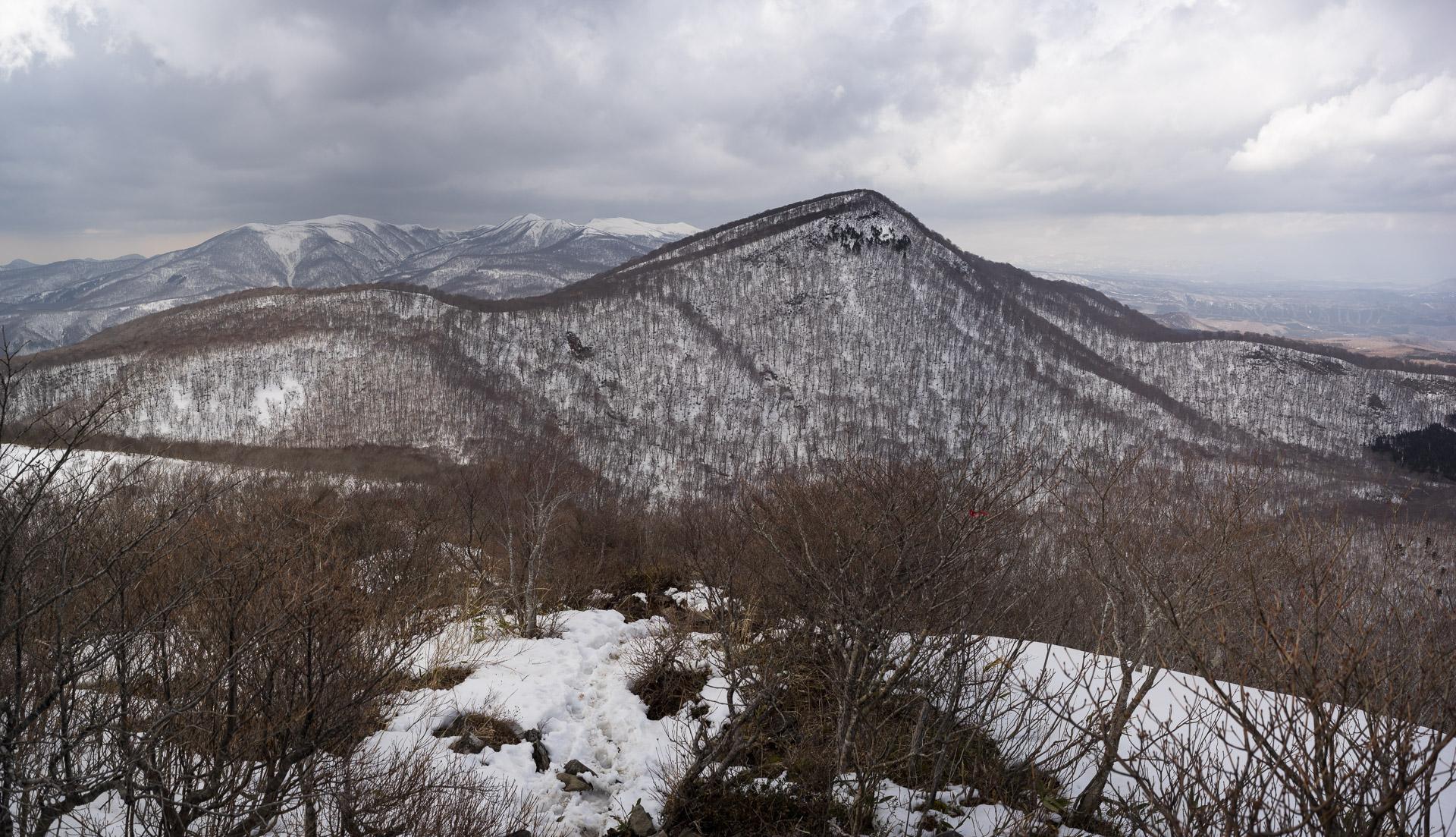 North Izumigatake summit
